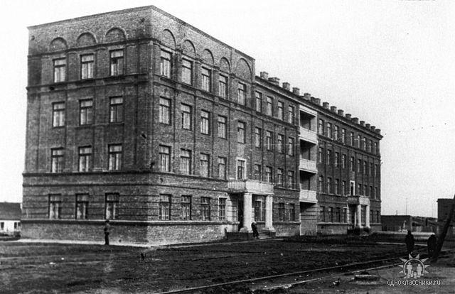 конец 1930-х гг. ул.Каменных домов (позднее Жданова, ныне Авиастроителей)