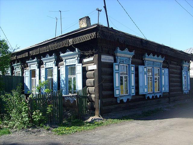 на улице Ленинградской в районе Ленинской администрации