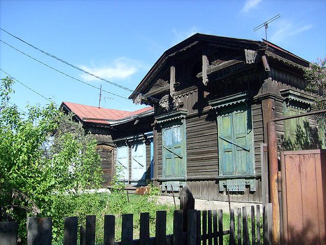 старыйж.д. дом на ул.Ленинградской (бывш. ул.Иннокентьевскаяили 5-ая)