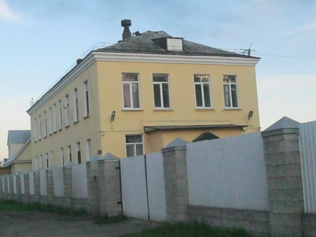 Ул. Ленинградская. В этом здании была трикотажная фабрика.