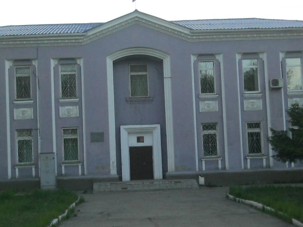 Ул. Муравьёва. Районный суд. Раньше здесь был райком партии и комсомола.
