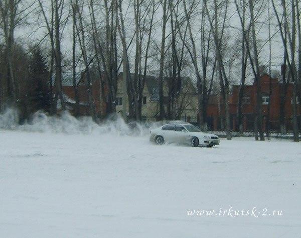 Зимнее развлечение перед бассейном- дрифт :)