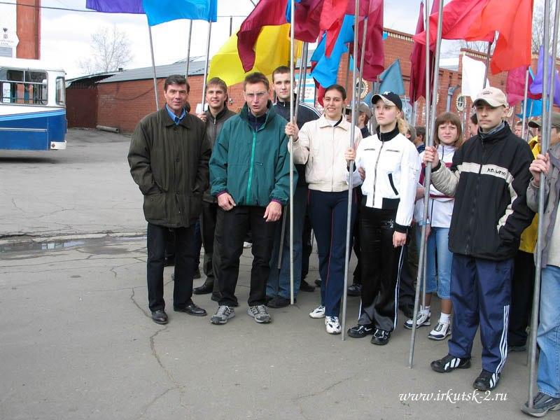 Команда пловцов «Зенит» на параде 9 мая 2004